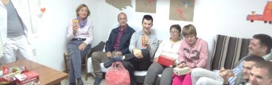 U oktobru 2015-e djecu i omladinu Dnevnog centra u Herceg Novom posjetila je odbornica lokalnog parlamenta Tamara Vukašinović kao i direktor Centra za socijalni rad Blaženko Jančić sa svojim saradnikom Milanom Bajčetićem.