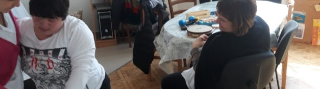 15. 02. 2019. Muzicka radionica – u gostima djeci u Dnevnom centru pijanistkinja Linda Poznanovic. Svakog petka djeca uzivaju u muzickim radionicima.